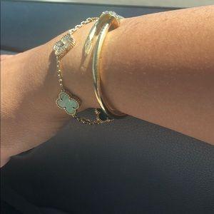 Like Van Cleef&Arpels bracelet. 18k with diamonds
